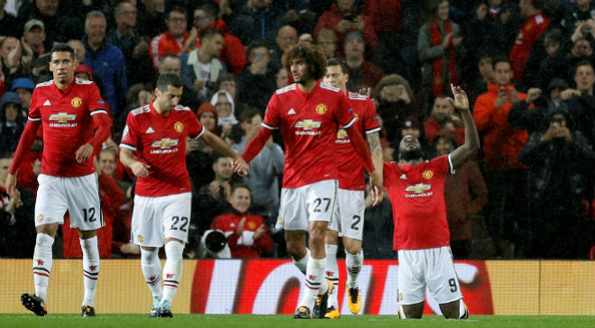 """MU đại thắng Basel: Song tấu """"thiết đầu công"""", nổ tung Old Trafford - 8"""