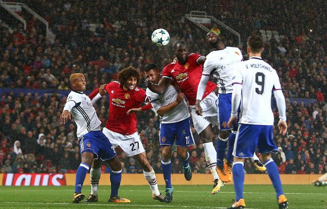 """MU đại thắng Basel: Song tấu """"thiết đầu công"""", nổ tung Old Trafford - 6"""