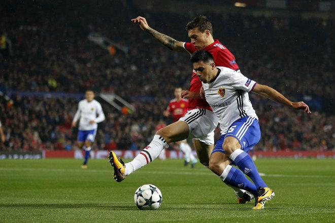 """MU đại thắng Basel: Song tấu """"thiết đầu công"""", nổ tung Old Trafford - 5"""