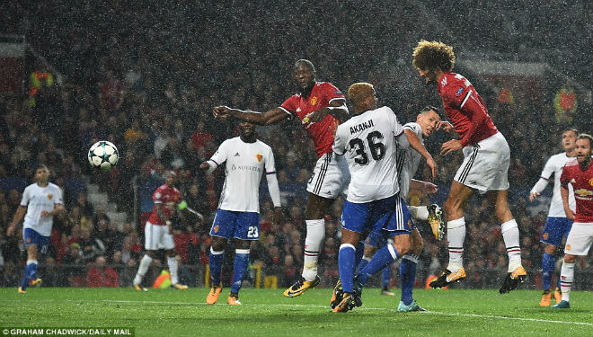 """MU đại thắng Basel: Song tấu """"thiết đầu công"""", nổ tung Old Trafford - 3"""