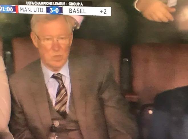"""MU đại thắng Basel: Song tấu """"thiết đầu công"""", nổ tung Old Trafford - 12"""