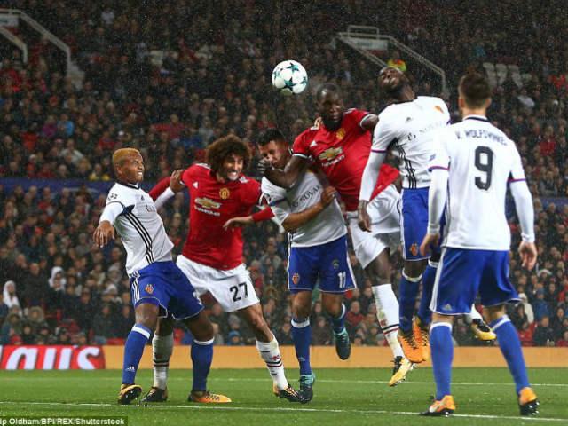 """MU đại thắng Basel: Song tấu """"thiết đầu công"""", nổ tung Old Trafford - 14"""