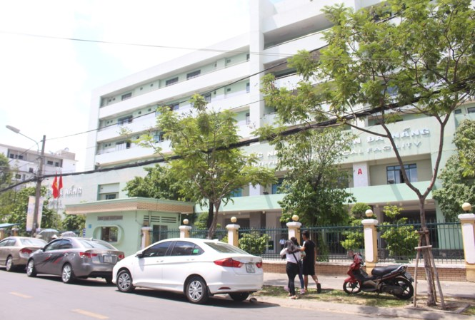Kíp trực bệnh viện Đà Nẵng bật nhạc ầm ĩ để bệnh nhân đợi cả tiếng - 1