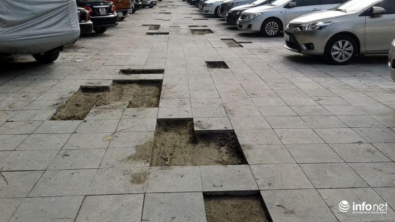 Hà Nội: Công trình lát đá vỉa hè mới làm xong đã nát bét - 6