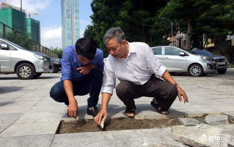 Hà Nội: Công trình lát đá vỉa hè mới làm xong đã nát bét - 9