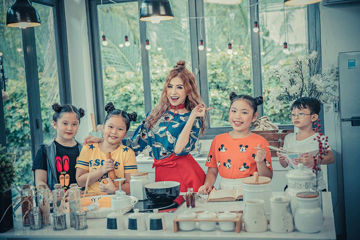 Nhóm nhạc nữ S-Girls phát hành MV sau thời gian ế show, thiếu thốn tiền bạc - 3