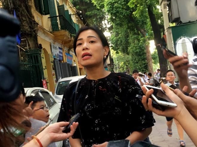 """Vợ NSƯT Xuân Bắc: """"Tôi khóc rất nhiều trong cuộc họp gần 10 tiếng với trường"""" - 1"""