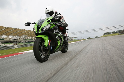 Top 10 mô tô sản xuất sở hữu vòng tua máy cao nhất - 2