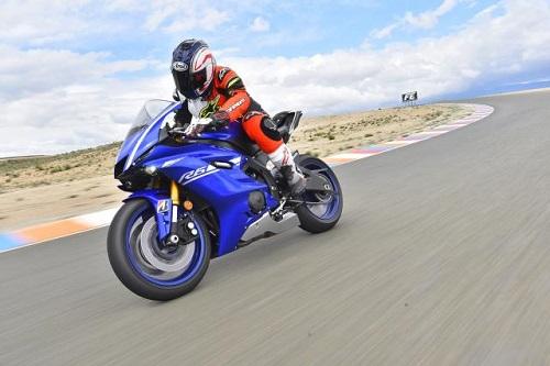 Top 10 mô tô sản xuất sở hữu vòng tua máy cao nhất - 10