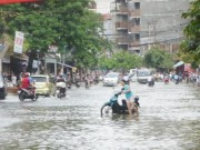 Tin tức trong ngày - HN yêu cầu mở hết cửa hồ điều hòa để chống ngập bão số 10