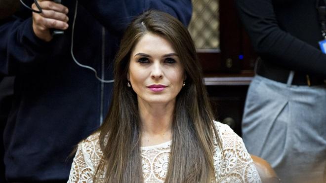 Ông Trump bổ nhiệm giám đốc truyền thông xinh đẹp 28 tuổi - 2