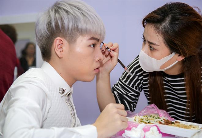 """Ngọc Sơn tái xuất làm giám khảo Bolero sau ồn ào """"giáo sư âm nhạc"""" - 4"""