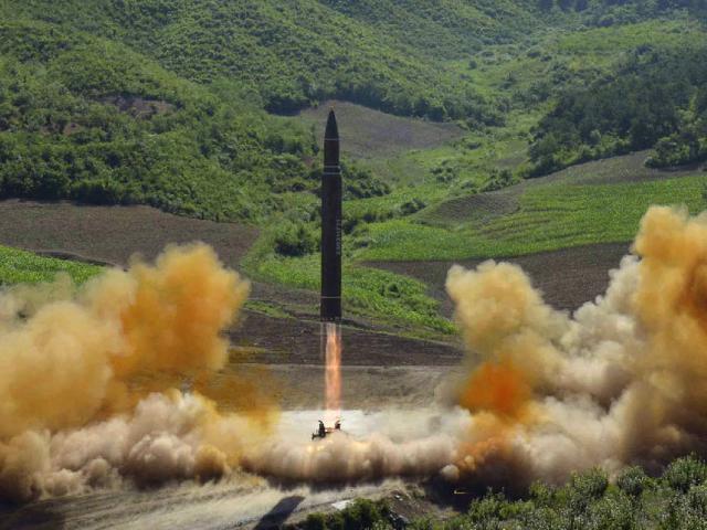 Chuyện gì xảy ra khi 100 đầu đạn hạt nhân kích nổ cùng lúc? - 1