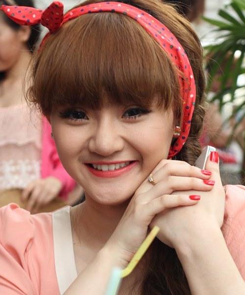 """Không kém chị, em gái Angela Phương Trinh cũng có bờ môi """"ảo thuật"""" - 14"""