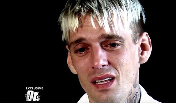 Lo bị nhiễm HIV,  Aaron Carter bật khóc trên truyền hình - 1