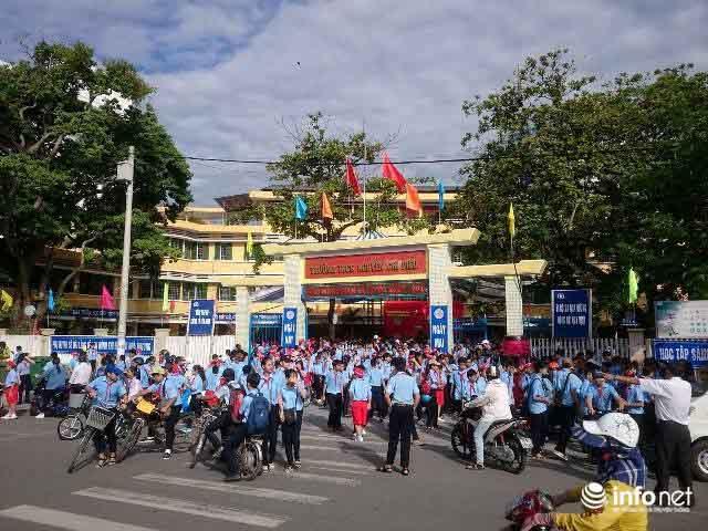 Siêu bão số 10 áp sát đất liền: Toàn bộ học sinh Quảng Trị, Huế nghỉ học - 1