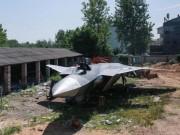 Thế giới - TQ: Nông dân thiết kế mô hình chiến đấu cơ J-20