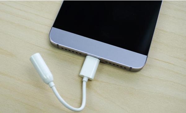 Smartphone thiết kế tuyệt đẹp, chip 10 nhân, Ram 3G giá hơn 3 triệu đồng - 7