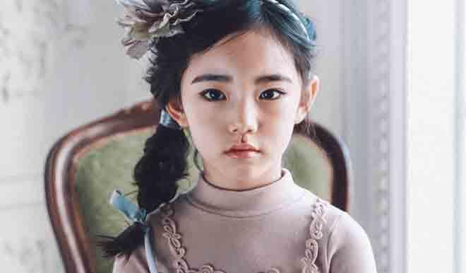 """Chưa học hết cấp 1, các tiểu mỹ nhân Hàn Quốc đã đeo """"mặt giả"""" - 3"""