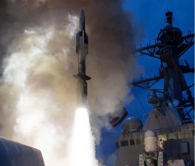 """Lí do Nhật Bản """"bất lực"""" nhìn tên lửa Triều Tiên bay qua - 1"""