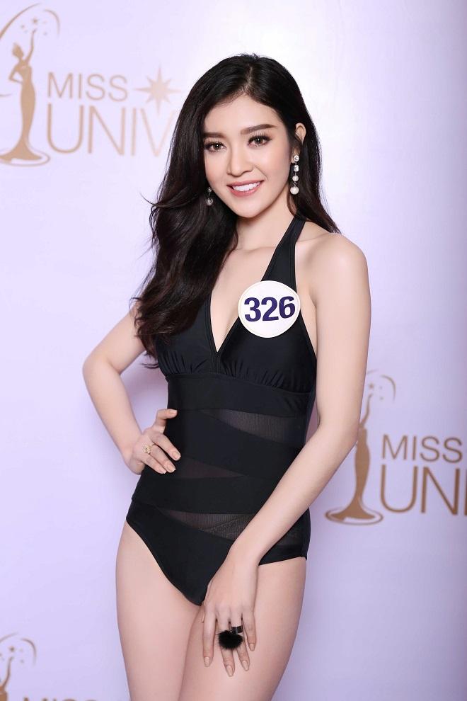 """Ảnh bikini """"rát mắt"""" của 2 mỹ nữ nuột nà thi Hoa hậu Hoàn vũ - 1"""