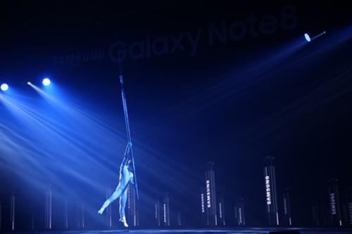Những khoảnh khắc ấn tượng tại lễ ra mắt Galaxy Note8 ở Việt Nam - 1