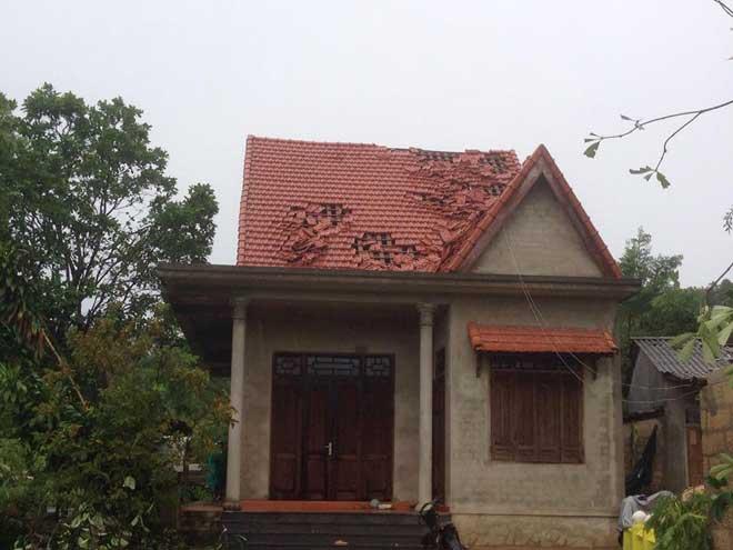 CẬP NHẬT bão số 10 ngày 15/9: Bão sang Lào sau 6 giờ quần thảo miền Trung - 8