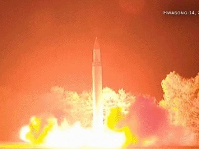 """Triều Tiên muốn có lực lượng quân sự """"ngang bằng Mỹ"""" - 2"""