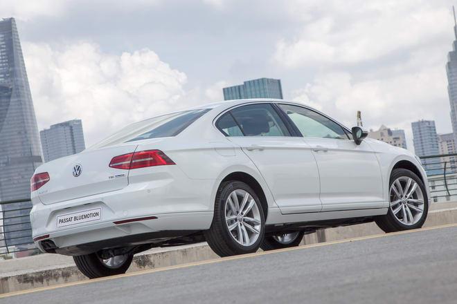 Volkswagen Passat BlueMotion giá 1,450 tỷ đồng ở Việt Nam - 4