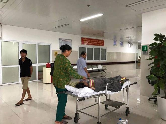 CẬP NHẬT bão số 10 ngày 15/9: Bão sang Lào sau 6 giờ quần thảo miền Trung - 21