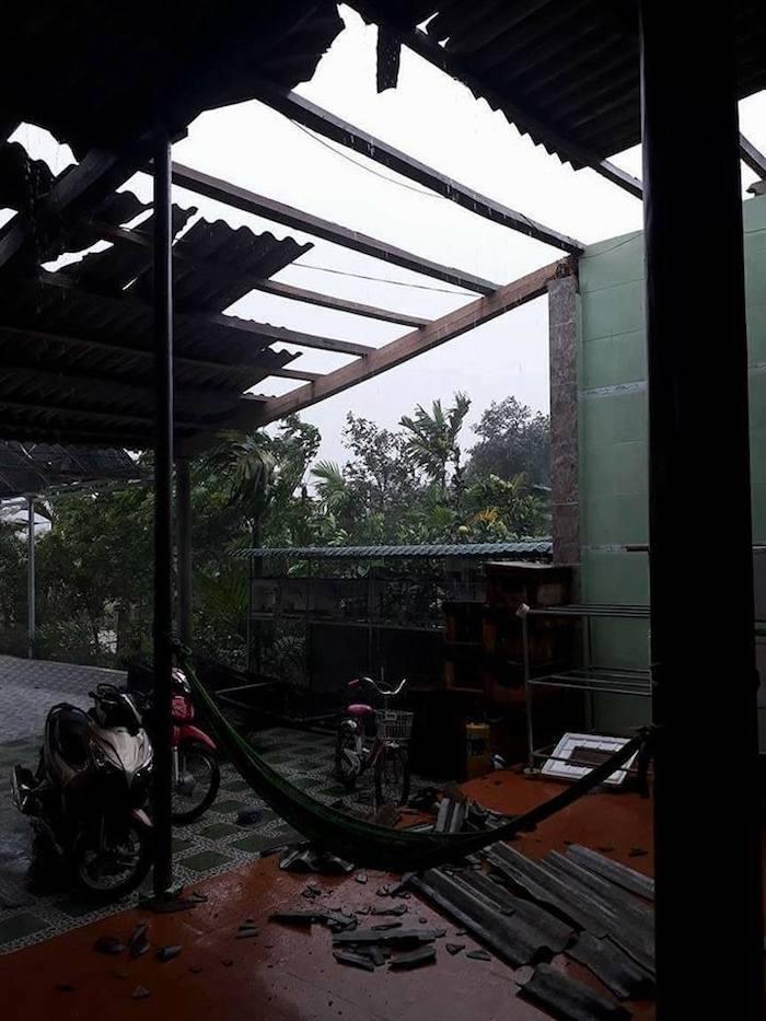 CẬP NHẬT bão số 10 ngày 15/9: Bão sang Lào sau 6 giờ quần thảo miền Trung - 25