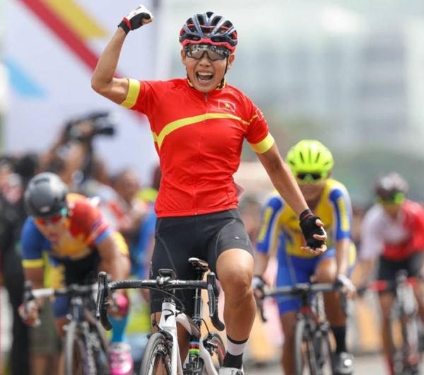 """Cô gái vàng Nguyễn Thị Thật và """"chuyện tình"""" với xe đạp - 1"""