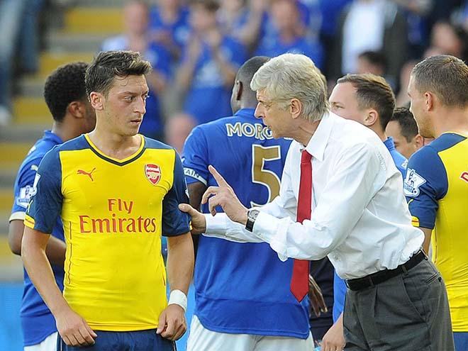 """Mourinho chiêu dụ Ozil về MU trong tháng 1 với giá """"bèo"""" - 1"""