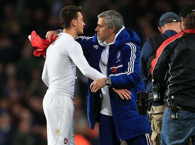 """Mourinho chiêu dụ Ozil về MU trong tháng 1 với giá """"bèo"""" - 2"""