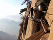 Run chân đi qua 15 cung đường nguy hiểm nhất hành tinh