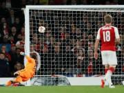 """Bóng đá - Đừng trách thủ môn Việt Nam: Sao Arsenal còn mắc lỗi """"khó đỡ"""""""