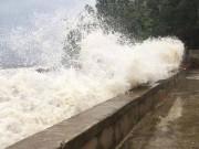 Tin tức trong ngày - Nghệ An: Nước tràn đê, thủy điện xả lũ, di dời dân khẩn cấp