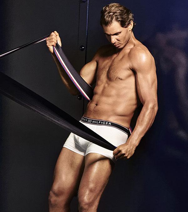 """""""Bò tót làng banh nỉ"""" Nadal lực lưỡng vượt xa Roger Federer - 12"""