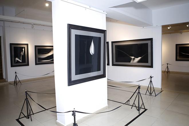 Hạn chế trẻ dưới 16 tuổi đến xem triển lãm ảnh nude đầu tiên của Việt Nam - 4