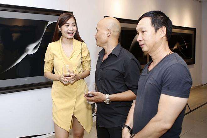 Hạn chế trẻ dưới 16 tuổi đến xem triển lãm ảnh nude đầu tiên của Việt Nam - 10