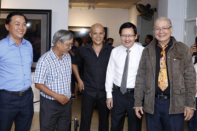 Hạn chế trẻ dưới 16 tuổi đến xem triển lãm ảnh nude đầu tiên của Việt Nam - 7