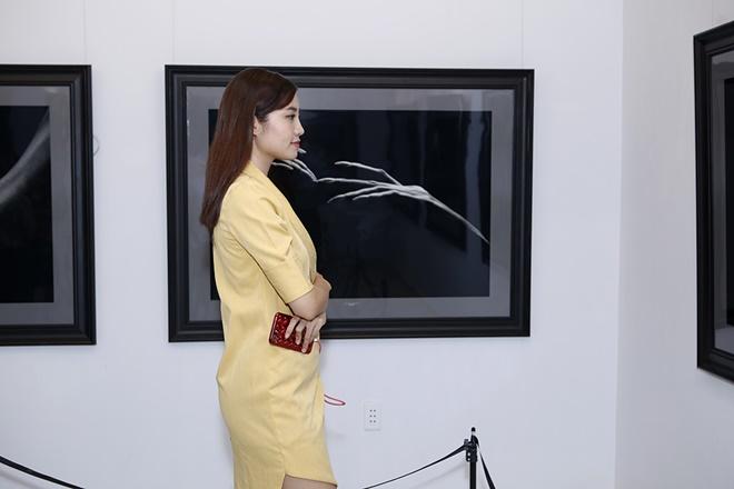 Hạn chế trẻ dưới 16 tuổi đến xem triển lãm ảnh nude đầu tiên của Việt Nam - 9