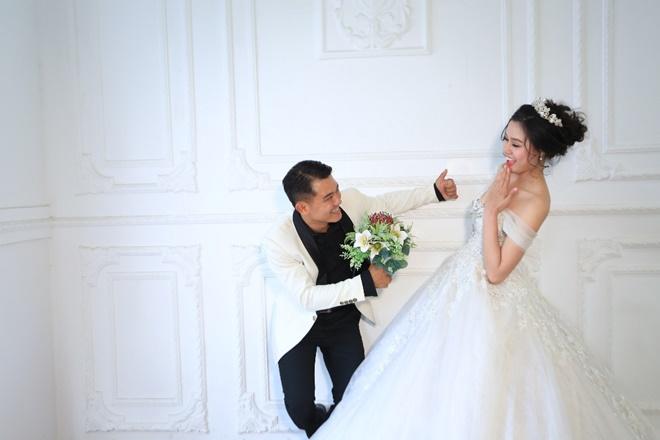Sau 2 năm, Vân Quang Long khoe ảnh cưới vợ hai kém 10 tuổi - 5
