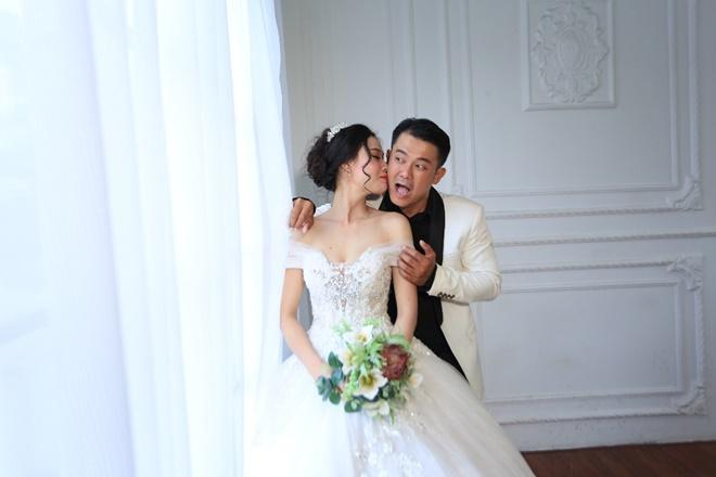 Sau 2 năm, Vân Quang Long khoe ảnh cưới vợ hai kém 10 tuổi - 4