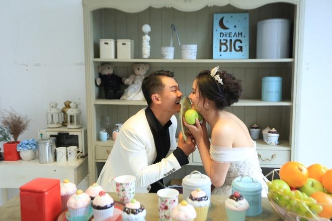 Sau 2 năm, Vân Quang Long khoe ảnh cưới vợ hai kém 10 tuổi - 7