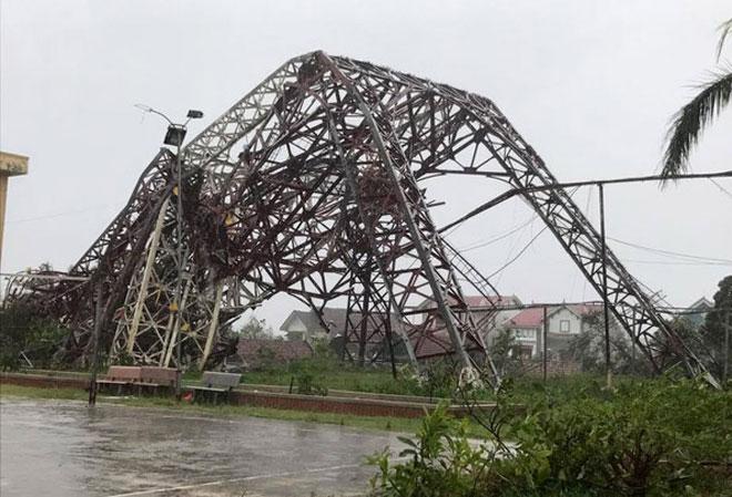 Quặn lòng nhìn miền Trung hoang tàn sau bão số 10 - 6