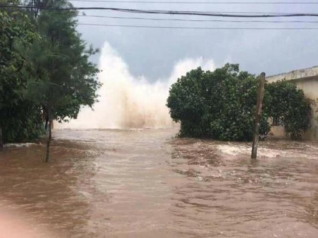 Tại sao bão số 10 lại trở nên hung hãn khi đổ bộ vào Việt Nam?