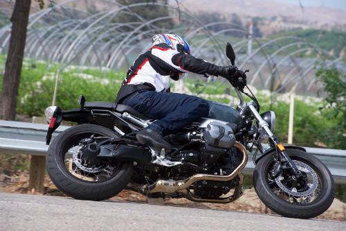 Chọn mua 2017 BMW R nineT Pure hay Honda CB1100 EX? - 2