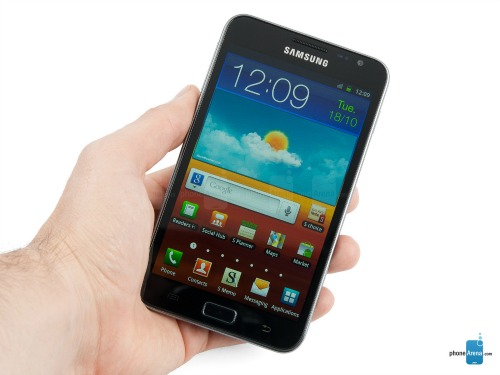"""Top 5 smartphone gây """"bão"""" trong suốt 10 năm qua - 3"""