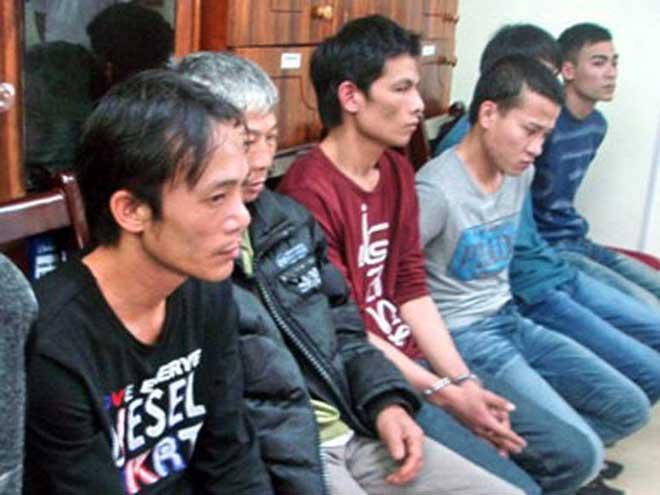 Tử tù Lê Văn Thọ không kịp phản ứng khi cảnh sát đập vỡ kính taxi, khống chế - 1